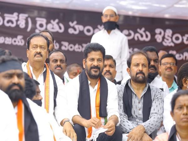 Telangana Congress holds silent protest demanding removal of Union MoS Ajay Mishra Teni over Lakhimpur Kheri incident