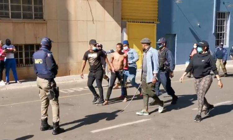 South African crowds rampage overnight, defying calls for end to violence, looting