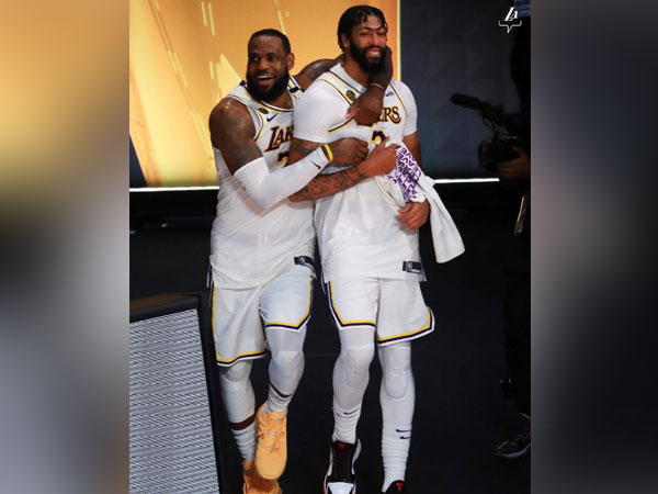 LeBron James, Anthony Davis lead LA Lakers to dominant title-clinching win over Miami Heat
