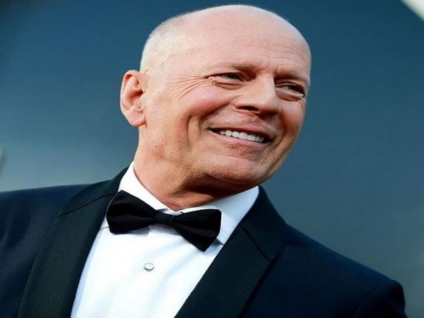 Bruce Willis asked to leave a Los Angeles store for refusing to wear mask