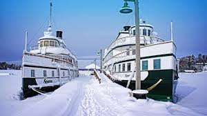 Energy majors looking for vessels to collect LNG during winters