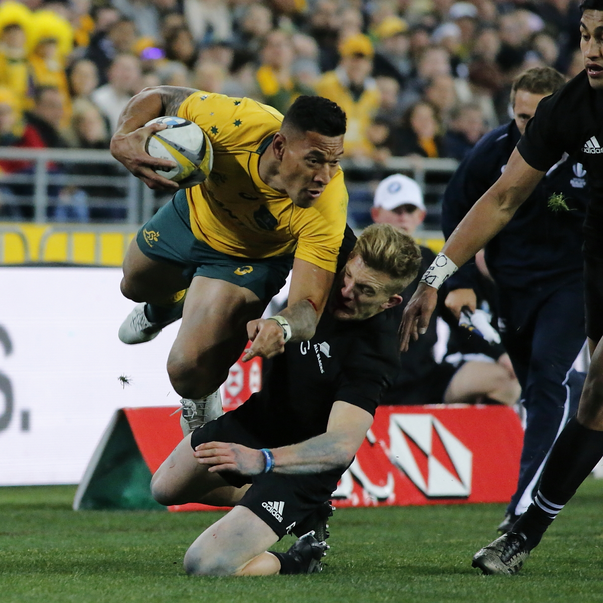 Wallaby's Hunt compares Folau social media furore with Kaepernick's racism stand