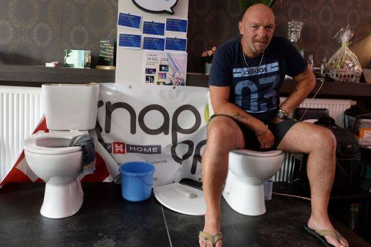 Longest toilet break? Belgian sits for five days in a bid for a record