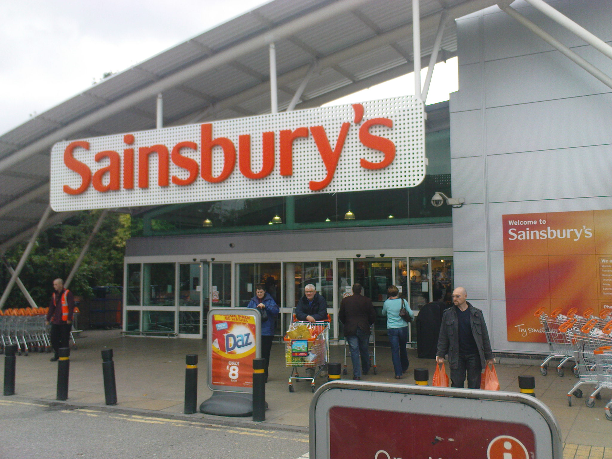 Britain's Sainsbury's seeing good flow of supplies from Europe -CEO