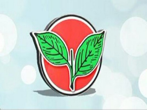 AIADMK asks partymen not to put banners that inconvenience people