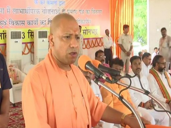 Injustice was meted out to poor by Cong, will Priyanka apologise, asks Adityanath
