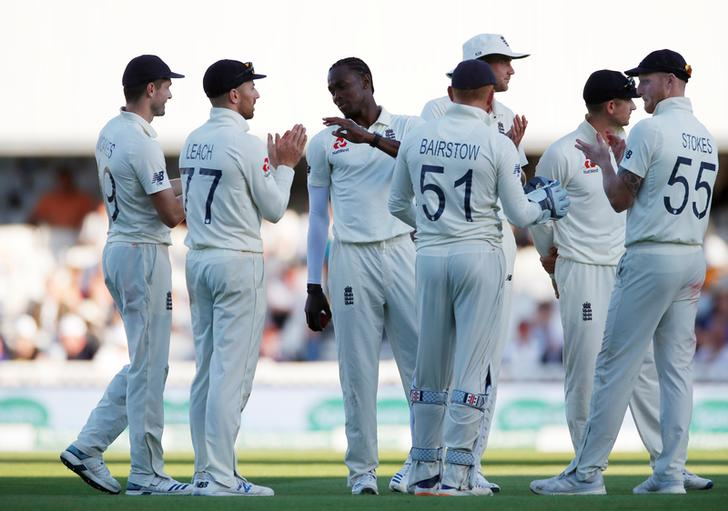 Archer claims six wickets as England take charge of Ashes finale