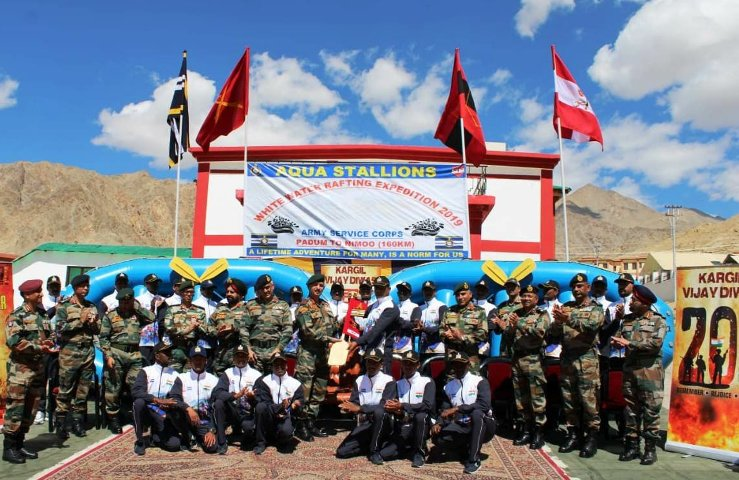 White rafting team enters into India Book of Records by clocking 7 hrs & 51 min