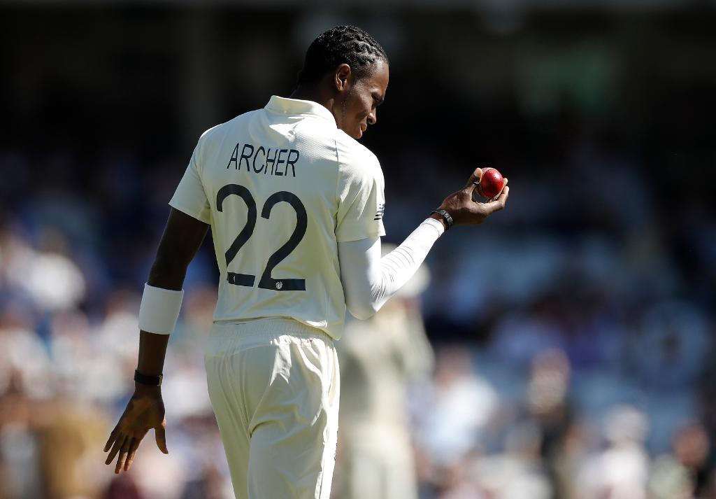 UPDATE 4-Cricket-Six-wicket Archer gives England advantage over Australia
