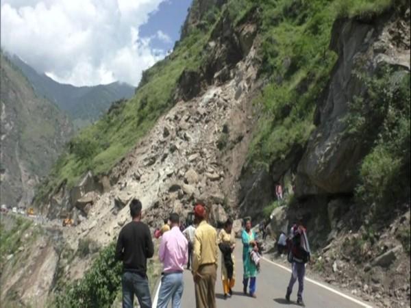 22 link roads, 3 National Highways blocked in Himachal Pradesh