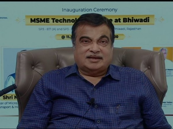 Gadkari urges Walmart to work with khadi industries to take their products to global markets