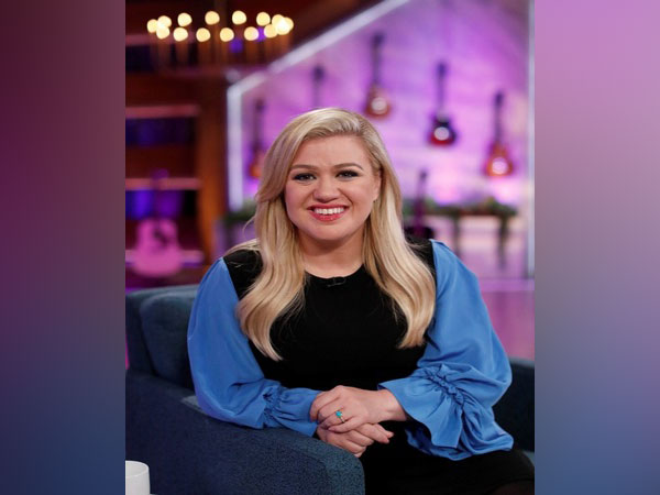 Kelly Clarkson reveals her kids are receiving therapy amid divorce from Brandon Blackstock