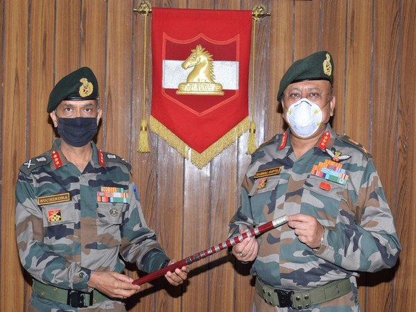 Lt Gen M V Suchindra Kumar takes command of Jammu-based 16 Corps
