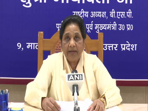 Provide food, accommodation to migrant labourers: Mayawati urges Centre, state govts