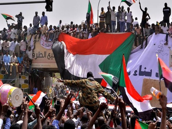 Sudan's army rulers agree on power-sharing agreement with oppn alliance
