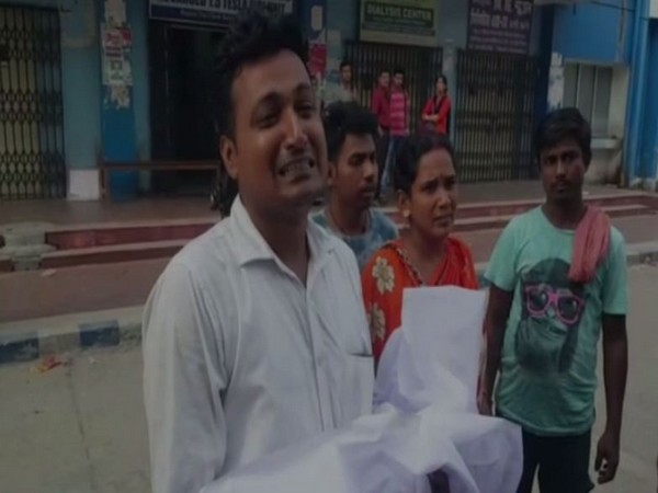 West Bengal: Newborn dies due to lack of treatment amid doctors' protest