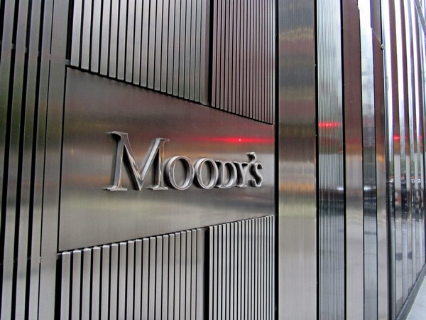 BRIEF-Moody's Says Europe Will Benefit More From Rebound In U.S. Growth Than From China's Recovery