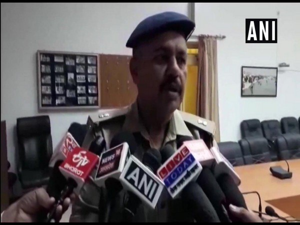 Prayagraj: Out to arrest cow smuggler police team attacked, 7 personnel injured
