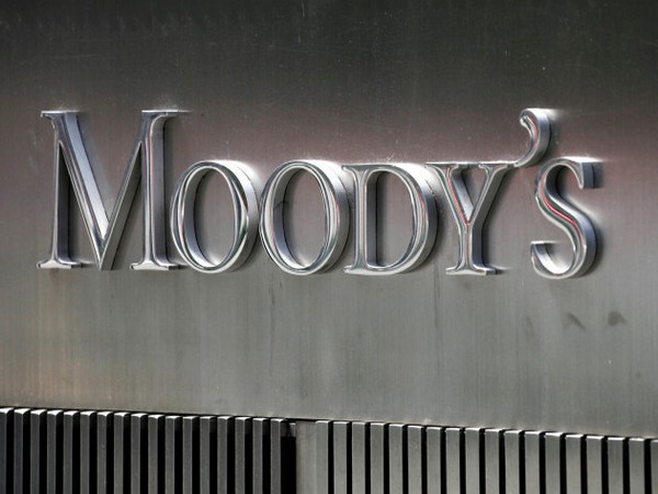 Moody's changes outlook on Government's ratings to negative from stable