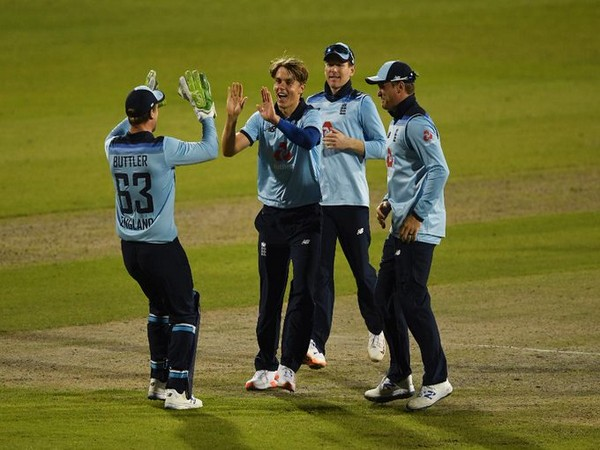 Woakes, Archer stage remarkable comeback as England defeat Australia in second ODI