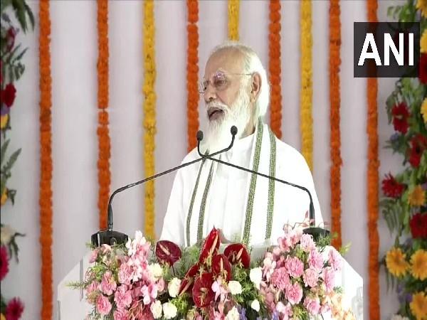 PM Modi lauds Yogi Adityanath governance, law and order