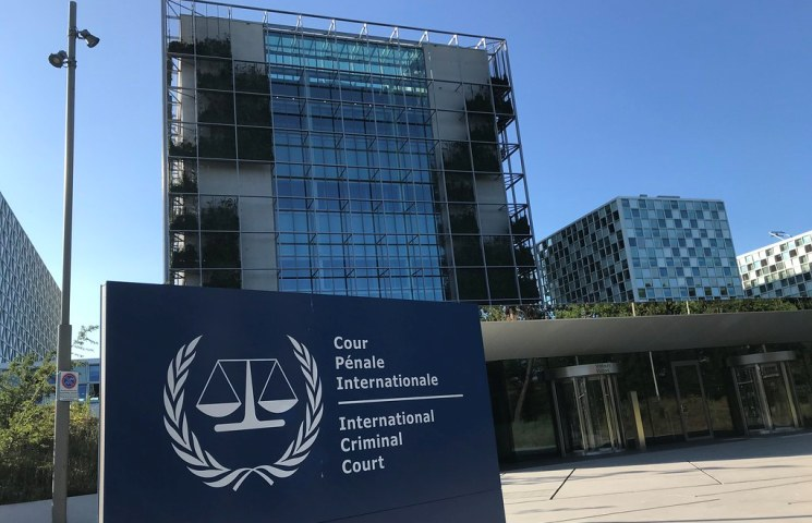 ICC prosecutor says Bashir and other suspects must face justice over Darfur