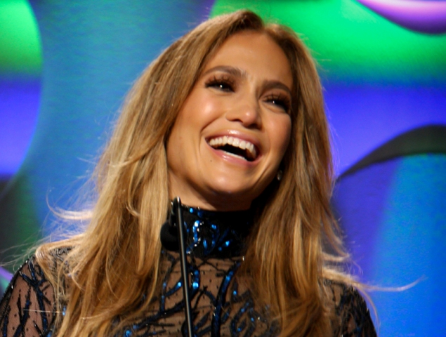 Entertainment News Roundup: Jennifer Lopez and Ben Affleck pictured kissing as 'Bennifer' returns; Actor Ned Beatty has died at age 83 - media and more