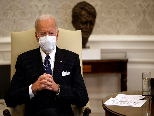 Biden leads Americans in moment of silence to mourn 500,000 U.S. COVID-19 deaths