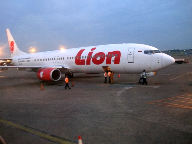 REFILE-Indonesia's Lion Air finds cracks in two 737 NGs with fewer flights than FAA safety directive