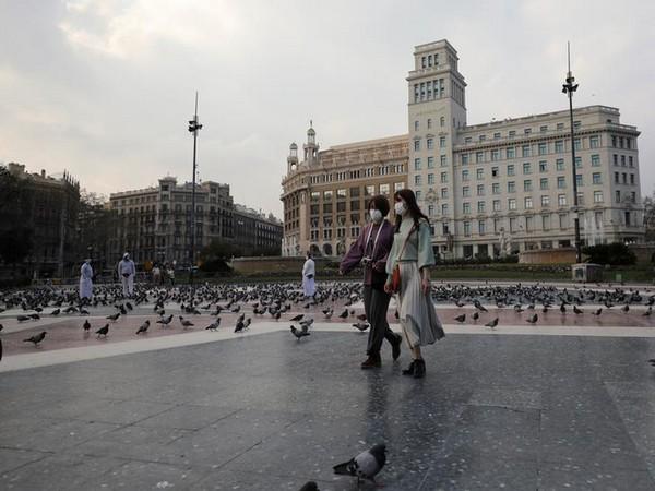 Spain sees coronavirus torment easing, seeks new economic 'pact'
