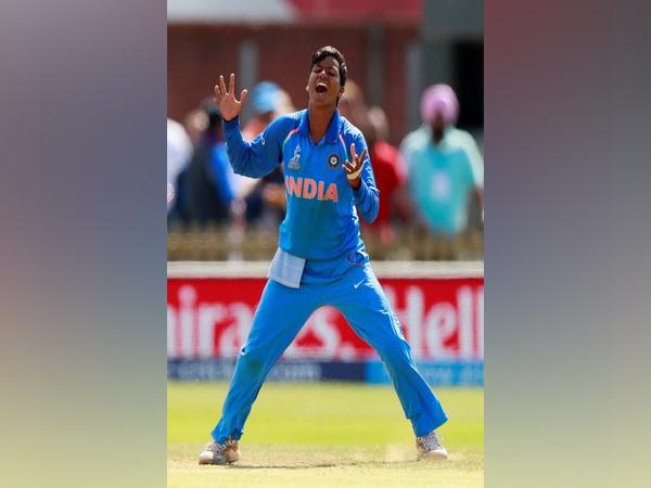 West Bengal govt felicitates cricketer Deepti Sharma