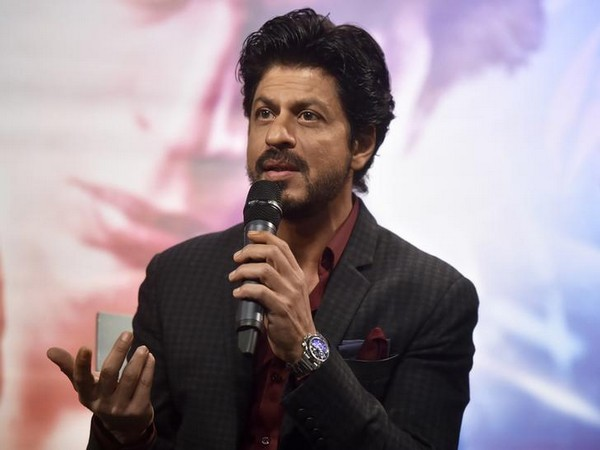 Shah Rukh to be felicitated with 'Excellence in Cinema' award by Victorian Government