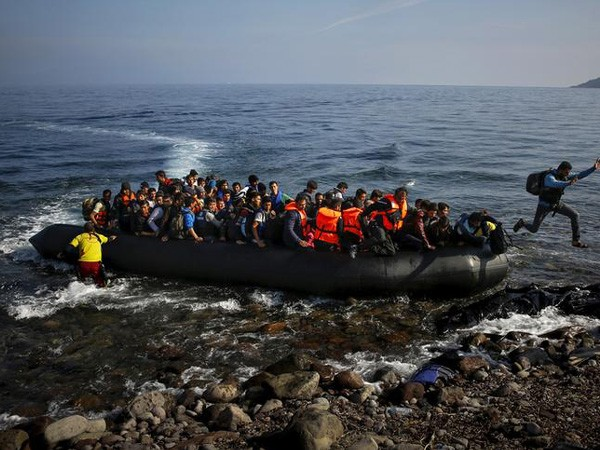 130 Europe-bound migrants feared dead off Libyan coast