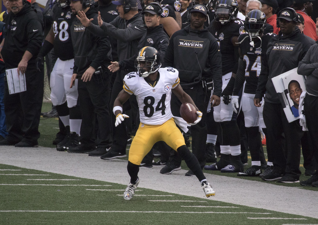 NFL notebook: WR Brown reportedly wants to play