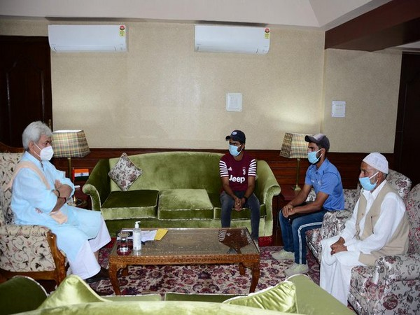 J-K: LG Manoj Sinha lauds Kashmiri cricketer for being 'inspiration' to people