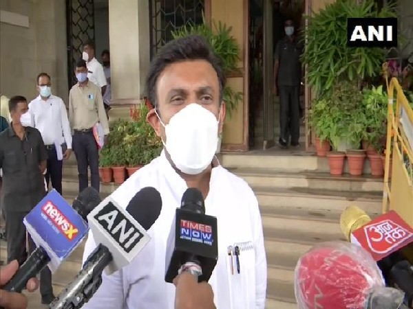 Karnataka govt directs officials to take steps to contain viral fever outbreak