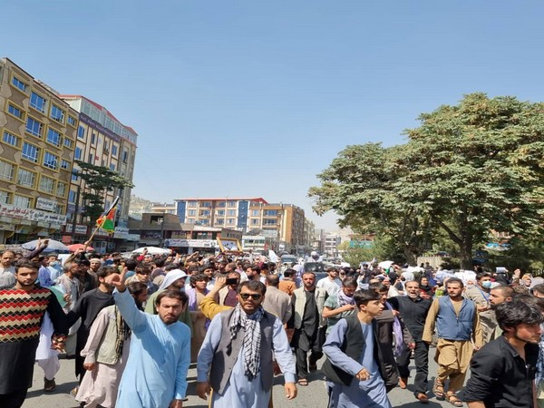 Thousands protest in Afghanistan's Kandahar against evacuation order by Taliban
