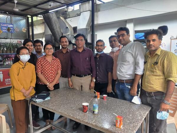 Union Health Minister pays surprise visit to Delhi's RML Hospital