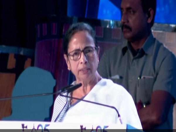 Mamata laments death of close aide Manik Majumdar