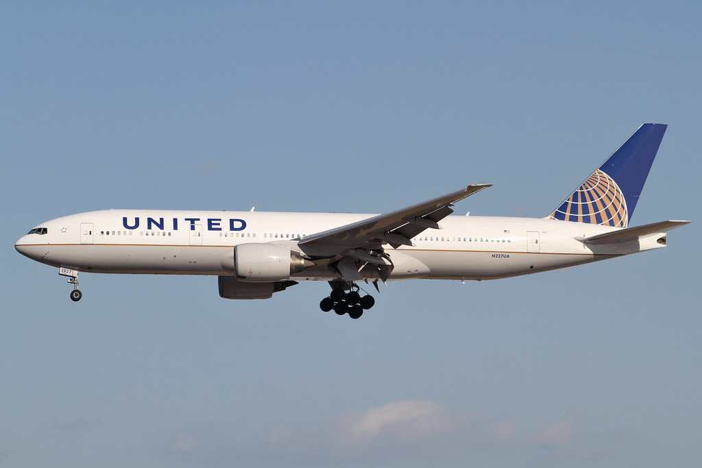 United Airlines among major US carriers to cut flights to UK, Ireland