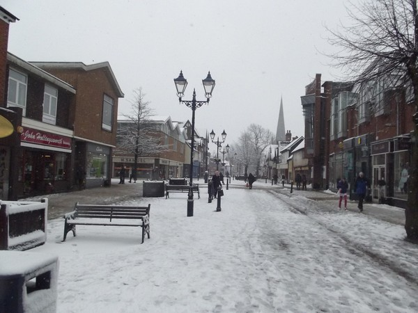 Britain to be hit by Arctic freeze on Saturday night, snow on Sunday