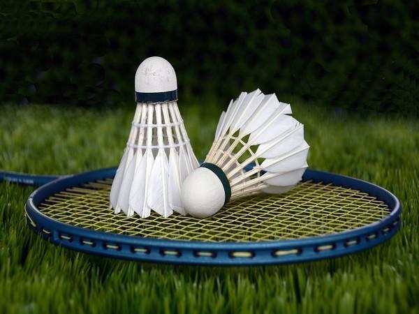 Olympics-Badminton-Dane Axelsen ends Cordon's run, to meet China's Chen for gold