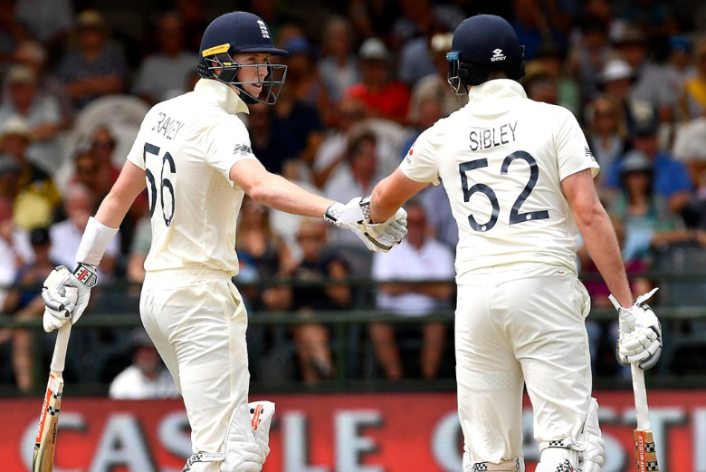 UPDATE 1-Cricket-England reach 61-0 at lunch in positive start to third test