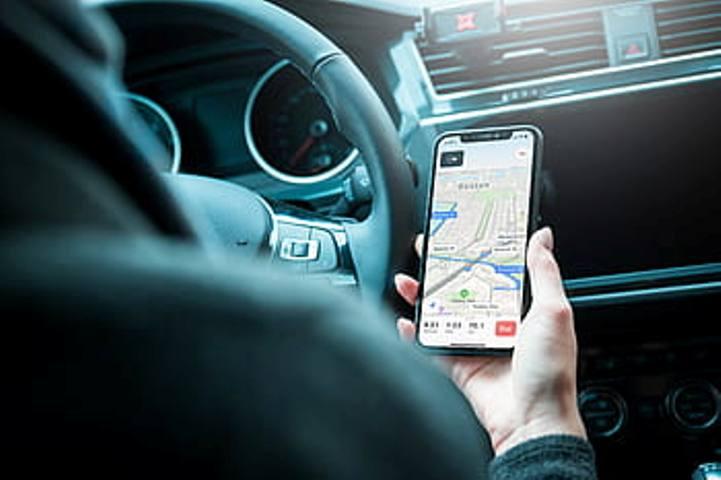 Estonia: EIB signs EUR 50m debt facility with ride-hailing app Bolt