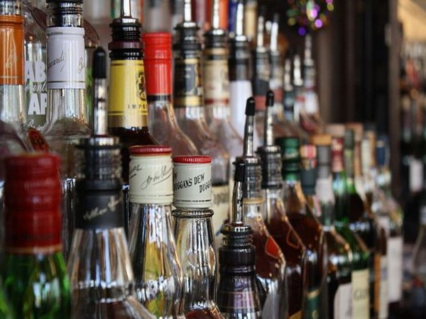 Fewer liquor stores can lower homicide rate, study suggests