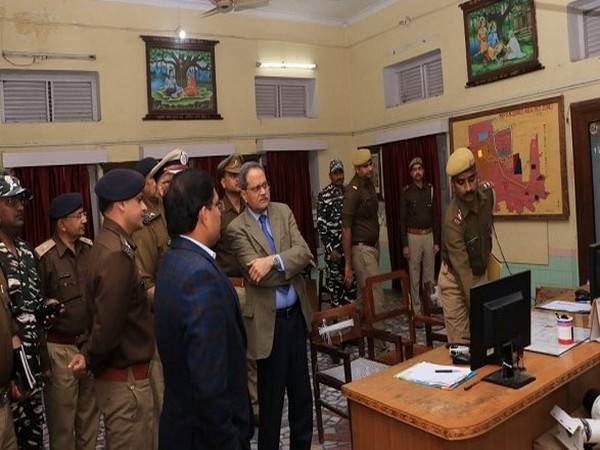 UP DGP conducts security review meeting in Ayodhya