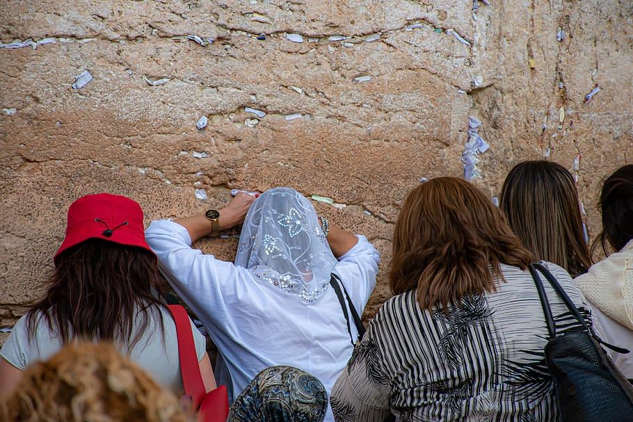 Palestinians torn as Israel seeks Gulf tourists in Jerusalem