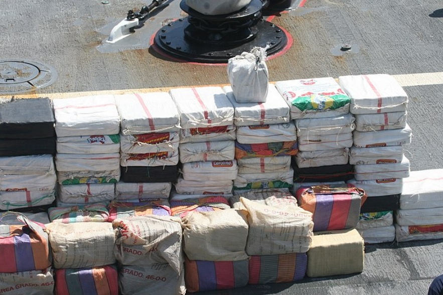 UPDATE 2-U.S. seizes 16.5 tons of cocaine from ship in Philadelphia