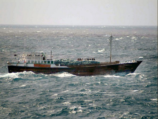 Nations urged to help stranded seafarers