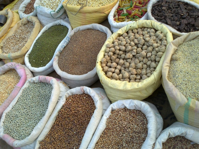 Enough foodgrains stock in warehouses across India for free supply to 8 cr migrants: Centre